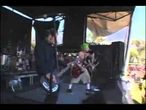 Mest - Rooftops (Live in warped tour) 2003