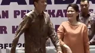 #Jokowi Berjoged Maumere #Kekiri Kekanan
