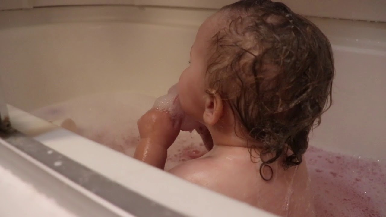 The Vlog With a Pink Bath! - YouTube