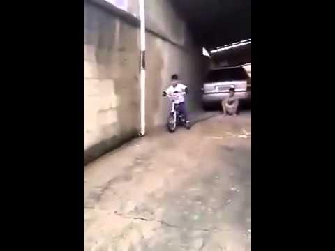 O Vó, O Portão Caiu !