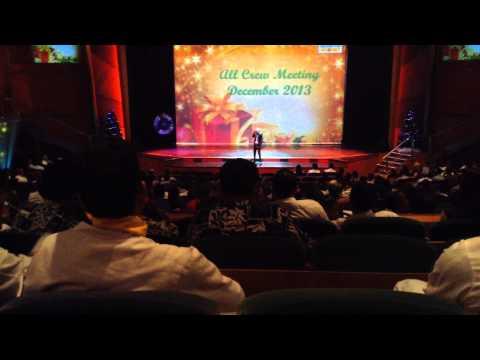 Ronelio Mendez (Karaoke Superstar) Part 1 at RCCL Radiance of the Seas Dec. 2013