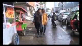 Download Video SAHILIN MALAM SELIKUR MP3 3GP MP4