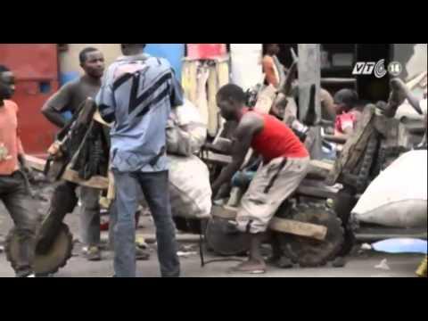 VTC14_Độc đáo xe gỗ vận chuyển của người Congo