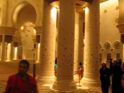 Abu-Dhabi -UAE, Money-Talks-Travel-Guide-inside-mosque