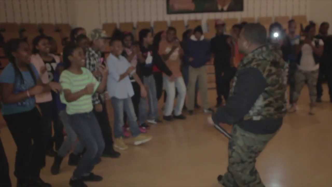 Download NFL RECORDS PRESENTS LIL CHRIS (M.I.C) At Randolph Elementary School   Visual By @BIGHOMIEENT