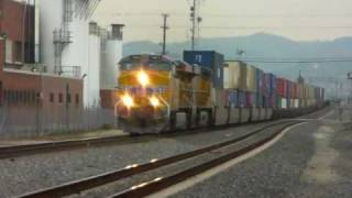 Union Pacific Freight Action at Montebello, CA - 12/21/09
