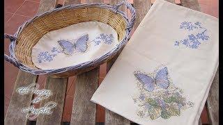 Decoupage y pintura sobre tela , mantel individual y tapete con cesto – Le petit papillon