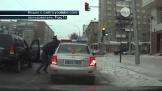 В Новосибирске произошла одна из самых глупых дорожных драк