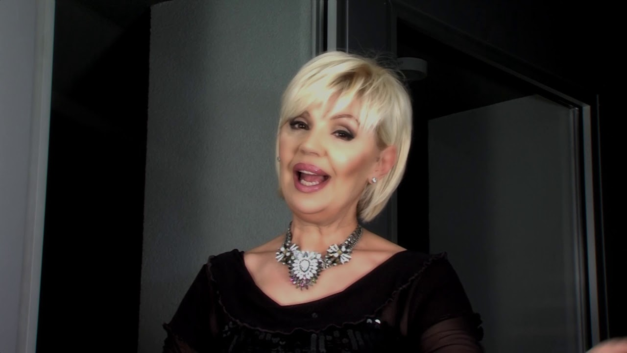 MARINA TOMAŠEVIĆ - MJESEČINA (OFFICIAL VIDEO)