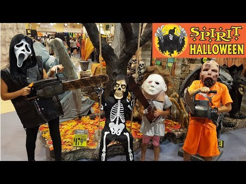 Spirit Halloween store tour animatronics costumes and decorations Hzhtube kids Fun vlog