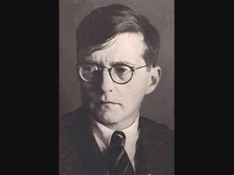 Shostakovich Op.87 Prelude & Fugue No.5 D major - Ashekenazy