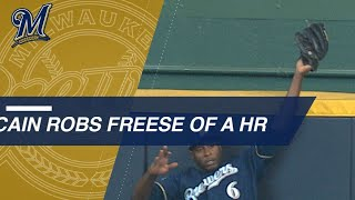 Cain robs Freese of a home run in Game 2