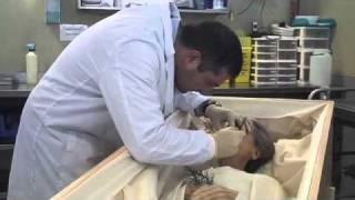 Repeat youtube video De profesión - Tanatopractor
