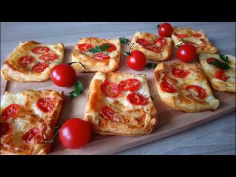 Ciasto Francuskie Z Mozzarella I Pomidorami Przekąski Na Ciepło