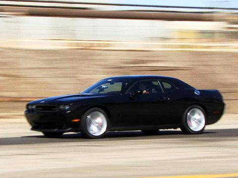 Dodge Challenger Review - Everyday Driver