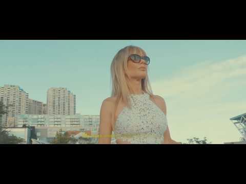 Contact || Cinematic Fashion Film || GH5 + V-LOG + Ronin M