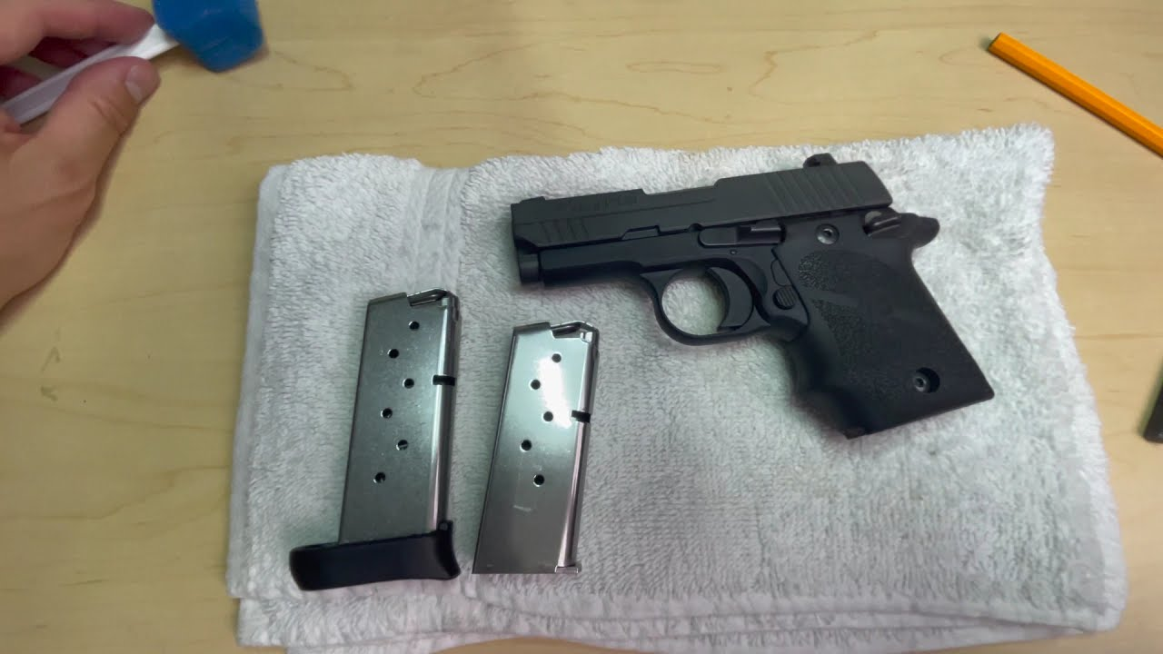 西格绍尔 Sig Sauer P938 半自动手枪及弹匣拆装清理步骤和注意事项 【陀槍食神】