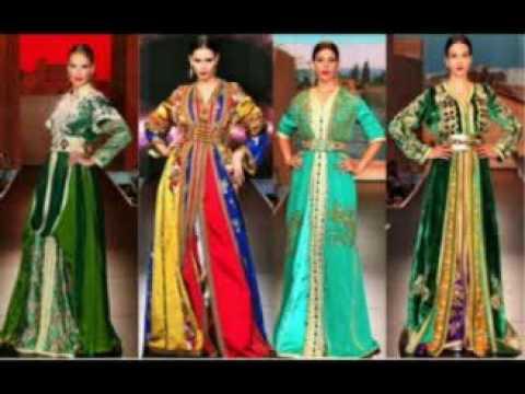Rossii traditsionnoye plat\u0027ye/ Robe russe traditionnelle
