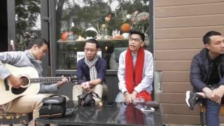 KHÔNG CÒN AI - Đức Anh & Đình Khoa hát trên vỉa hè TARA CAFE với guitar Văn Nhất