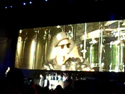 Jay z blueprint 3 intro live freestyle in chicago youtube jay z blueprint 3 intro live freestyle in chicago malvernweather Images