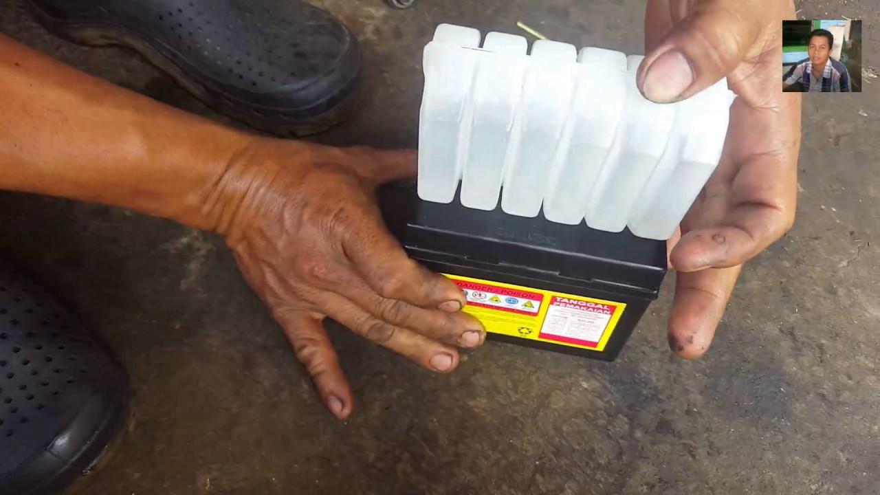 Cara Mengisi Aki Kering Baru Yang Benar Cara Mudah Mengisi Air Aki