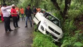Rescue operation of Swift Car done by SATARA OFFROADER