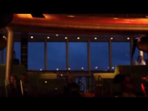 Schwankender Horizont im Atlantik AIDAbella 2013