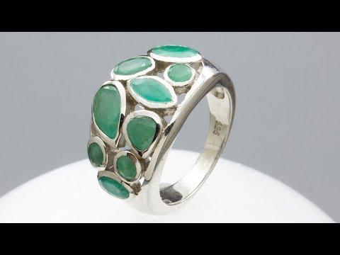 Кольцо из серебра с изумрудом