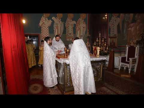 Ночная Божественная литургия в праздник Рождества Христова с 6 на 7 января 2020 года