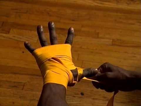 Everlast: How To Tie Hand Wraps Professional