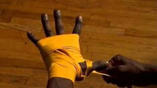 Everlast: How To Tie Hand Wraps Professional