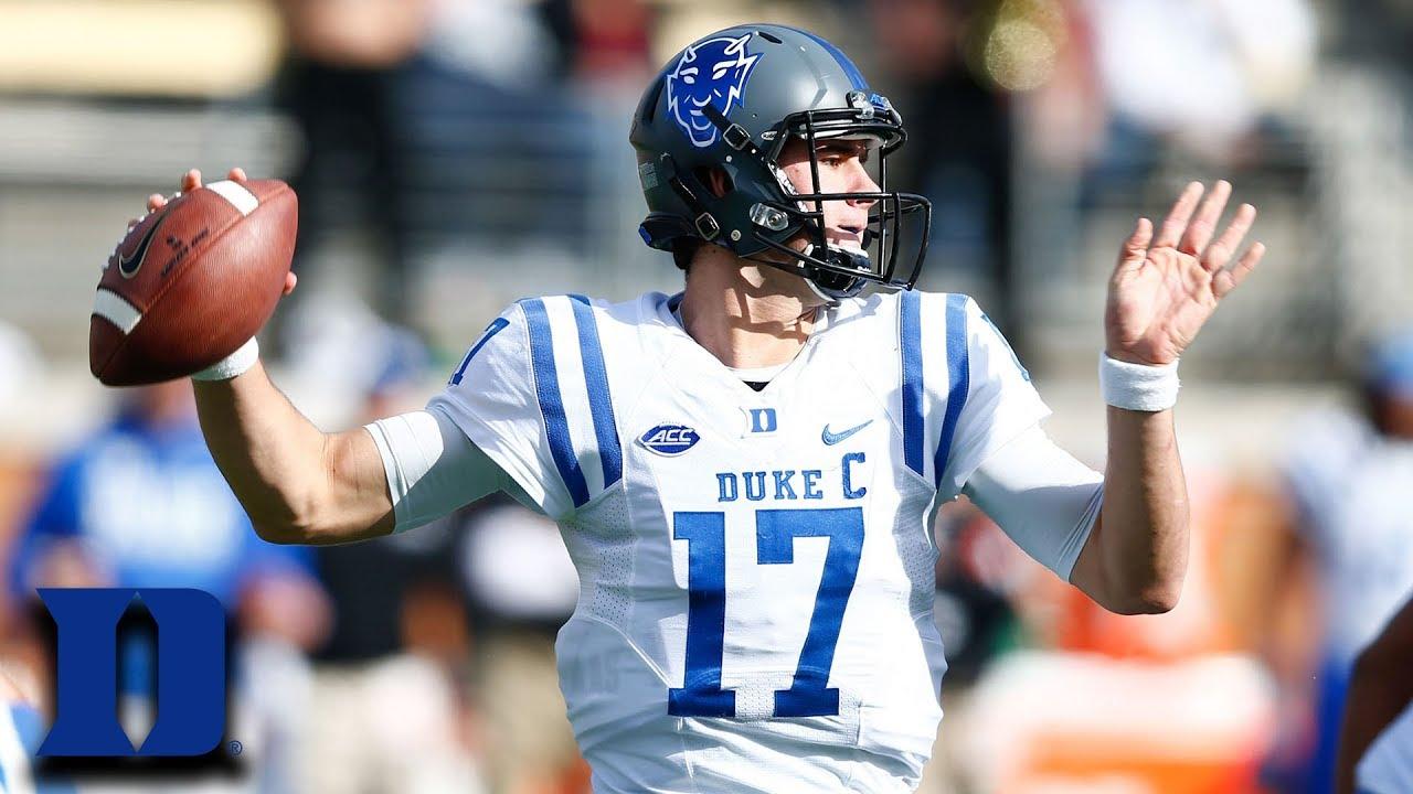 Daniel Jones Carries Duke vs. Wake Forest To Become Bowl Eligible ... b4e0bdb8d