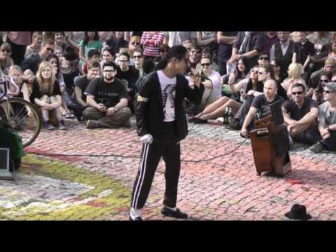 Berlin  03.04.2011   Mauerpark  Karaoke  Makel
