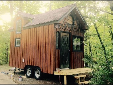 Budget-Friendly Tiny House With Loads of Charm