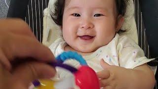 赤ちゃんが大好きなおもちゃを3歳児にやったら温度差すごかった笑