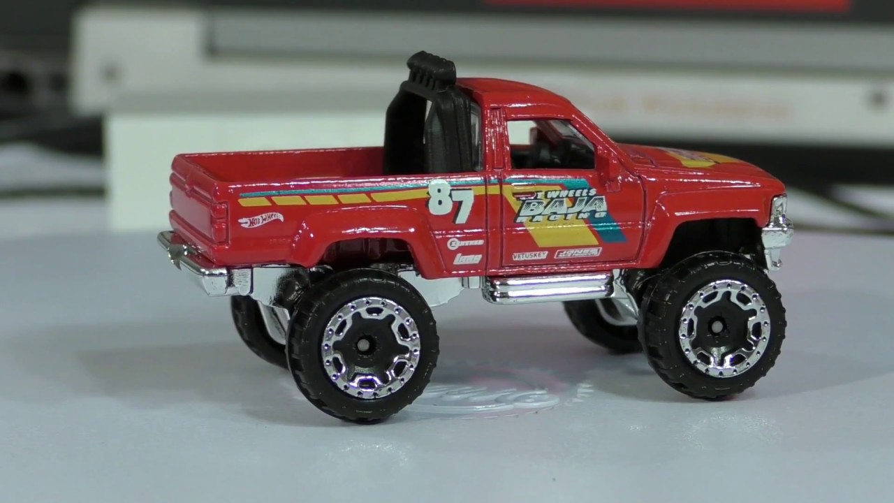 2017 hot wheels d case 82 1987 toyota pickup truck youtube. Black Bedroom Furniture Sets. Home Design Ideas