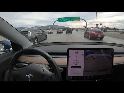'Navigate on Autopilot' de Tesla es cien veces mejor en Estados Unidos que en...