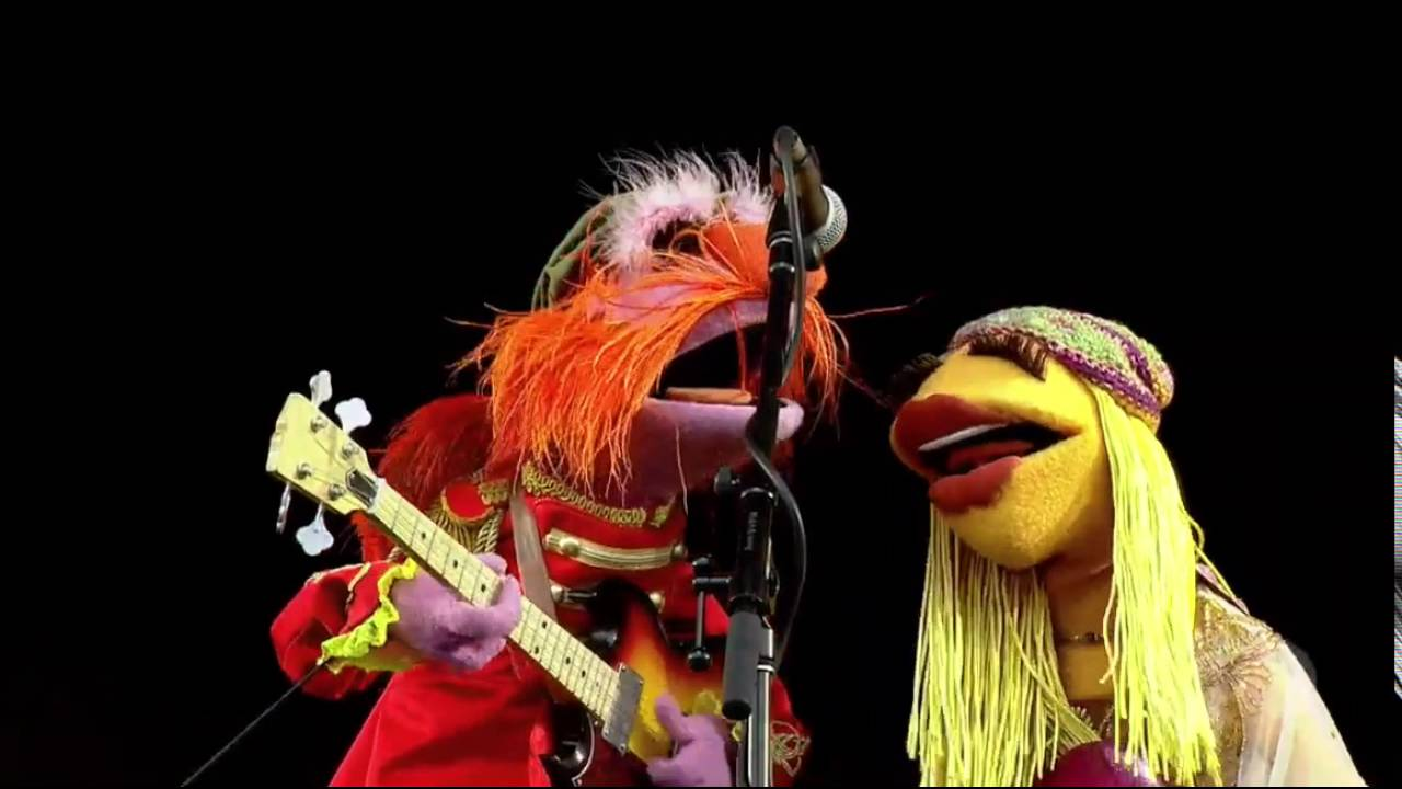 04 The Muppets Dr Teeththe Electric Mayhem Ophelia The Band