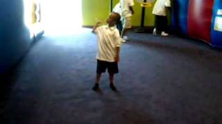Little boy dancing to Chris Brown / gets krump at the end