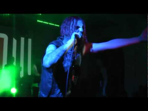 ALIEN VAMPIRES-Far From Humans(featuring Suicide Commando) Live
