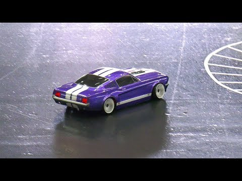 RC MODEL DRIFT CAR FORD MUSTANG GT IN ACTION!! *RC REMOTE CONTROL DRIFT CAR