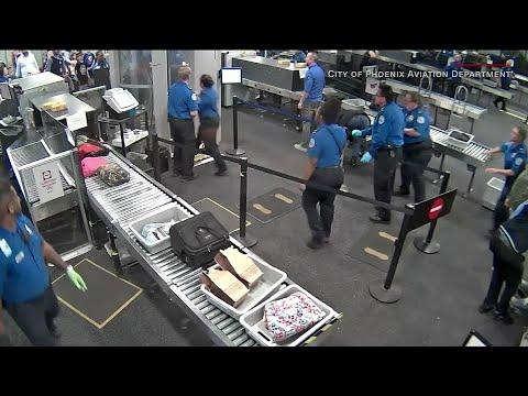 VIDEO: Man attacks TSA agents at Phoenix airport