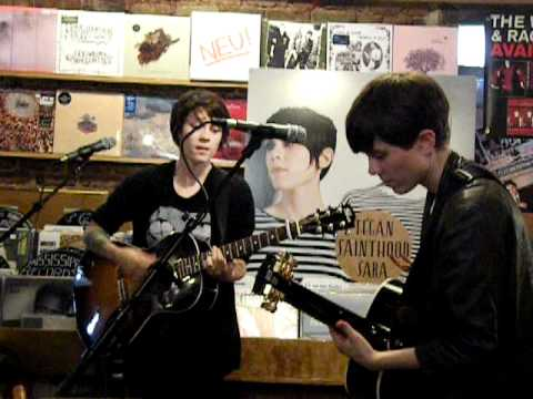 Tegan & Sara: Living Room - Grimey's / Nashville, TN - YouTube