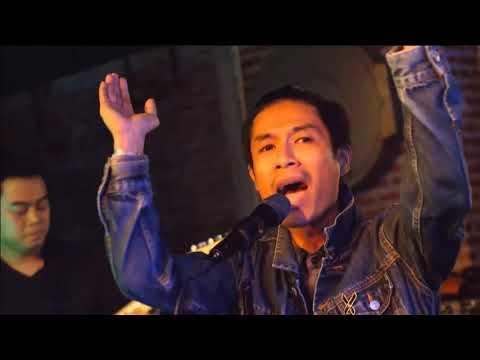 มนุษย์เมือง+ข้อศอกกับดอกฟ้า Beatboyz Bangkok -LIVE Dox Radio Meeting#3