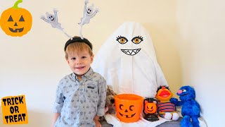 Halloween Story for Kids and LEO Decorate the House for Halloween