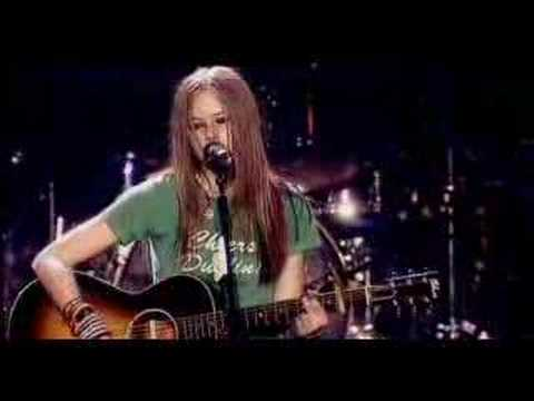 Avril Lavigne - Tomorrow (LIVE)