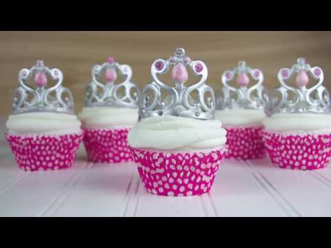 Create The Perfect Gumpaste Tiara Topper For A Birthday Or Special Occasion Cake Cupcake Have Fun Adding Edible Gems To Your Decorating Repertoire