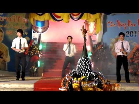 laos student in hue - fon euay phon & pa dek zep
