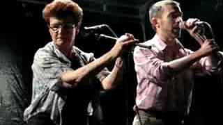 Louise Ebrel et Ifig Flatrès chantent un Plinn