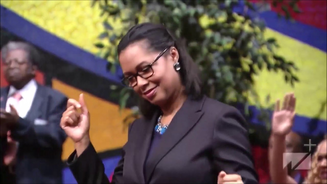 Ain't No Party Like A Holy Ghost Party Praise Break West Angeles COGIC HD!